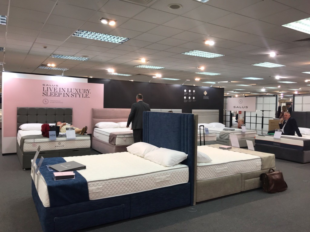 Showrooms Stands For Nomadic Display Uk